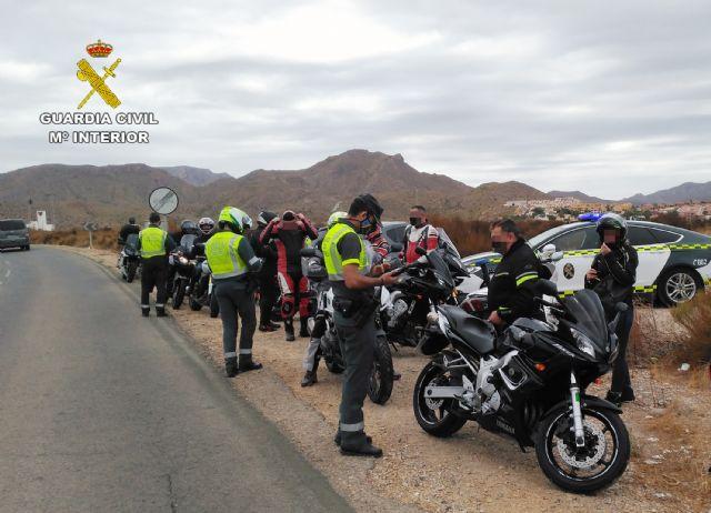 La Guardia Civil investiga a un motorista que superaba en 95 km/h. la velocidad máxima permitida - 1, Foto 1