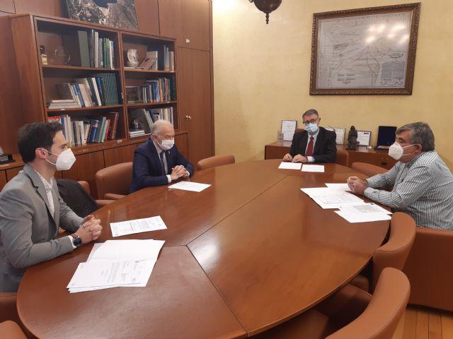 El presidente de la Confederación Hidrográfica del Segura ha mantenido un reunión de trabajo con el Alcalde de Las Torres de Cotillas - 1, Foto 1