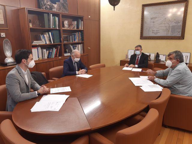 El presidente de la Confederación Hidrográfica del Segura ha mantenido un reunión de trabajo con el Alcalde de Las Torres de Cotillas - 2, Foto 2