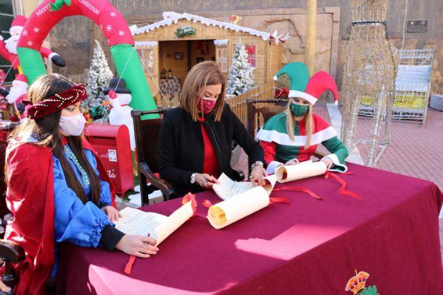 La Alcaldesa de Archena firma el contrato de la Navidad - 2, Foto 2