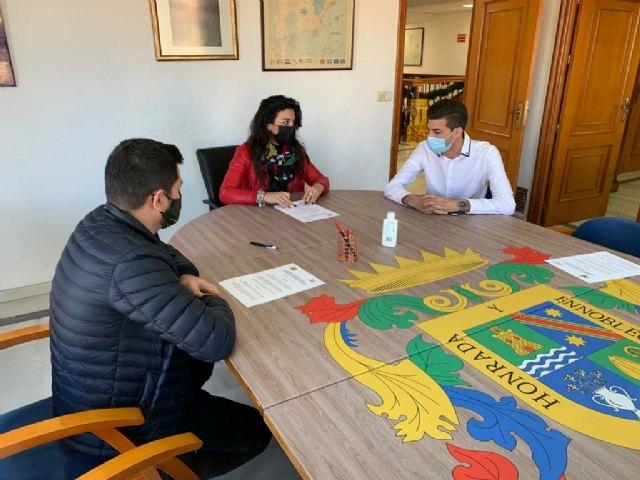 El Ayuntamiento de Alguazas y la Asociación de Comerciantes firman un convenio de colaboración - 1, Foto 1