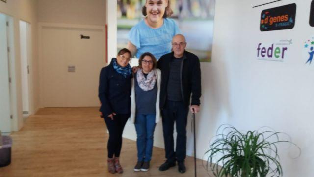 Representantes de la Asociación ELA Región de Murcia visitan el Centro Multidisciplinar