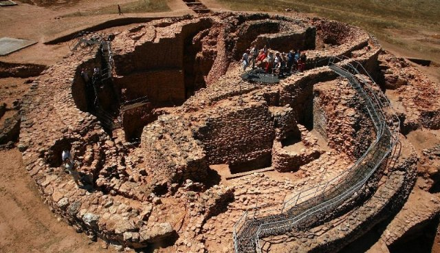 The director of the archaeological site of La Motilla del Azuer, in Daimiel (Ciudad Real), tomorrow exposes his model of museum management and visits to the business fabric of Totana