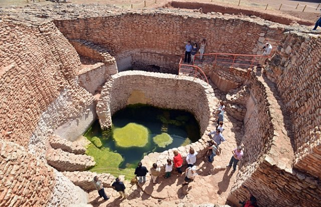 The director of the archaeological site of La Motilla del Azuer, in Daimiel (Ciudad Real), tomorrow exposes his model of museum management and visits to the business fabric of Totana, Foto 3
