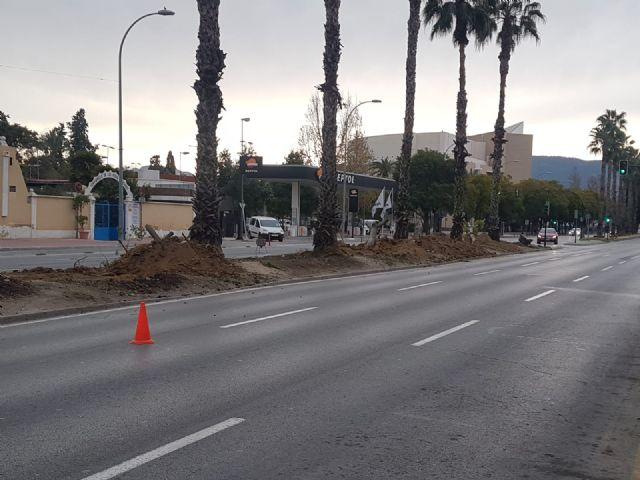El Ayuntamiento continúa con la segunda fase de las obras de remodelación de la mediana de la Avenida Primero de Mayo - 2, Foto 2