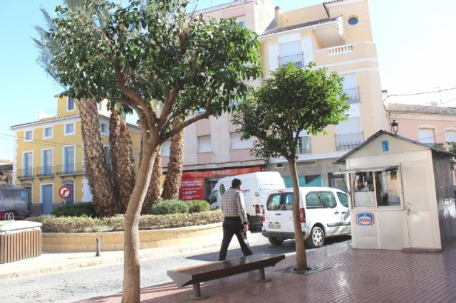 They will study the possible closure to the traffic of Francisco Martínez Palao square to convert it into a playground and enjoy the pedestrians, Foto 2
