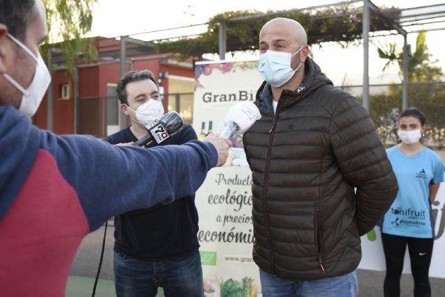 Toñifruit renueva su apoyo al Club Atletismo Alhama, Foto 1