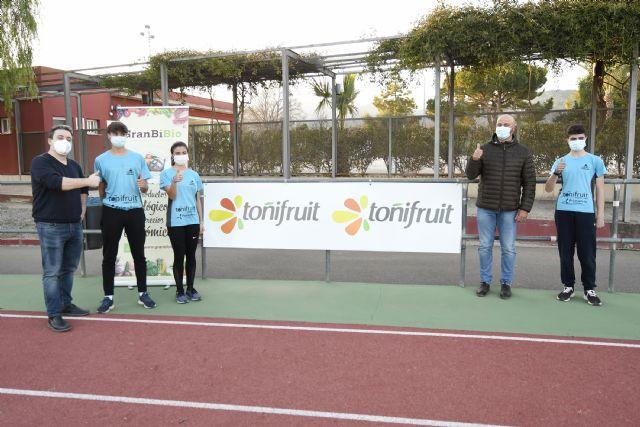 Toñifruit renueva su apoyo al Club Atletismo Alhama, Foto 3