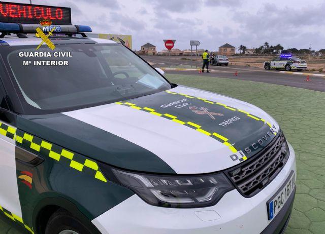 La Guardia Civil investiga al conductor de un turismo por conducción temeraria en Totana, Foto 1