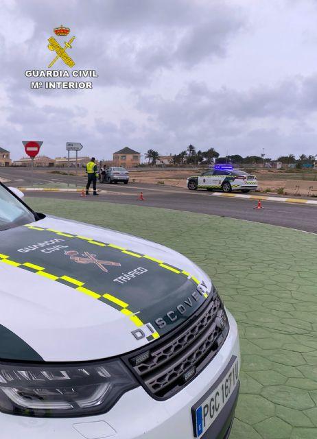 La Guardia Civil investiga al conductor de un turismo por conducción temeraria en Totana - 3, Foto 3