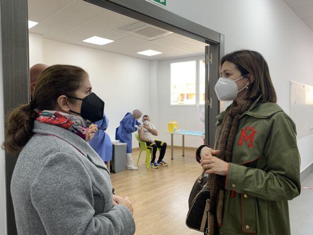 Las personas con discapacidad de �guilas reciben la vacuna contra el COVID - 1, Foto 1