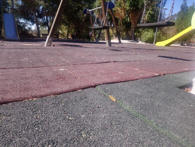 Parques y Jardines renovará antes del verano el 100% de las losetas en las áreas de juegos infantiles, Foto 4