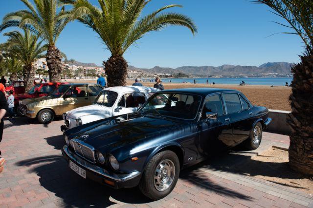 Concentración de vehículos clásicos en Puerto de Mazarrón, Foto 2