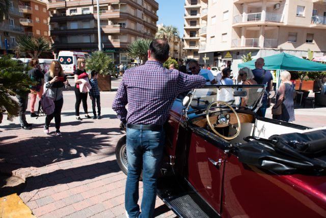 Concentración de vehículos clásicos en Puerto de Mazarrón, Foto 4