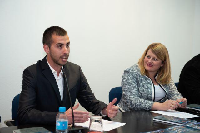 Daniel Moreno presenta