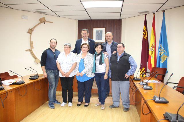 El Ayuntamiento renueva el convenio de colaboración con las asociaciones de las pedanías, Foto 1