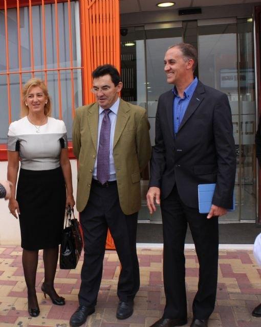 El Director General de Calidad Educativa y FP vista el IES Miguel Hernández y una conocida empresa alhameña, Foto 2