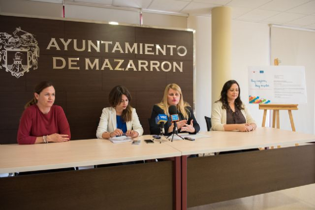 Mazarrón hace oficial su adhesión al manifiesto por la igualdad de oportunidades  entre hombres y mujeres, Foto 3