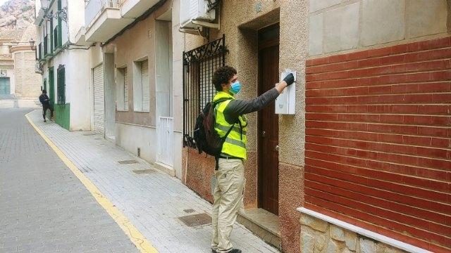 El lunes continúa el reparto de kits con mascarillas y guantes, Foto 2