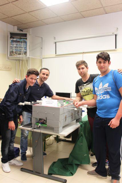 Alumnos del IES Miguel Hernández consiguen el primer premio en el XIV Concurso Regional de Modding, Foto 2