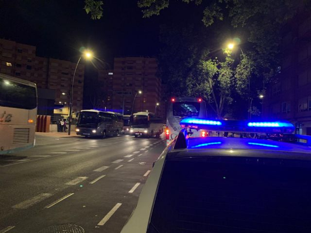 El Ayuntamiento de Lorca insistirá en la vigilancia para el uso obligatorio de mascarillas en el transporte colectivo - 1, Foto 1