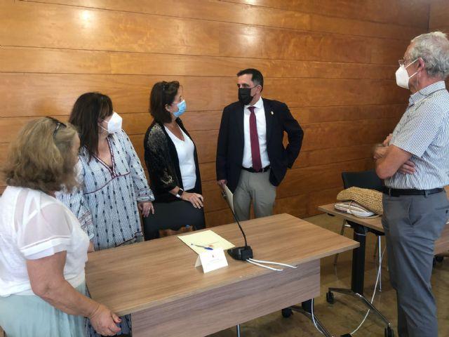 El Ayuntamiento trabajará de la mano de Asociación de Usuarios de la Sanidad de la Región de Murcia para mejorar los recursos sanitarios en el municipio - 1, Foto 1