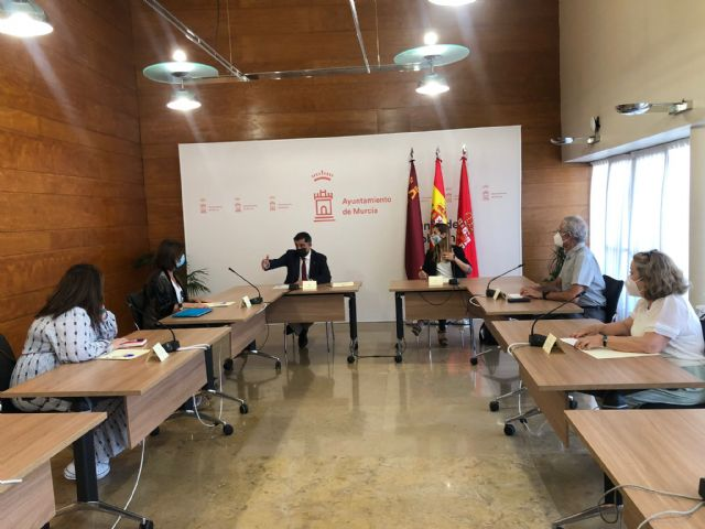 El Ayuntamiento trabajará de la mano de Asociación de Usuarios de la Sanidad de la Región de Murcia para mejorar los recursos sanitarios en el municipio - 2, Foto 2