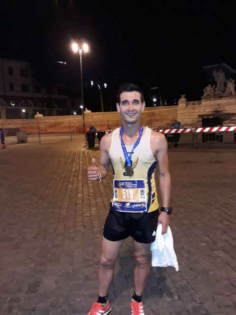 Bartolo Sánchez finishes the Half Marathon of Rome among the top 20