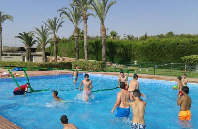 "The public swimming pools of the Municipal Sports Center ""6 de Diciembre"" and the Sports Complex ""Valle del Guadalentín"" will be open from July 1 to September 1"