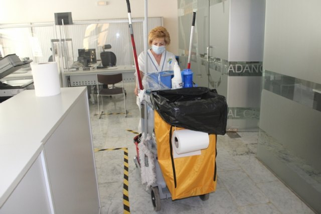 The Mayor's Office submits a proposal to the June plenary session to tender the Interior Cleaning Service in municipal centers and facilities
