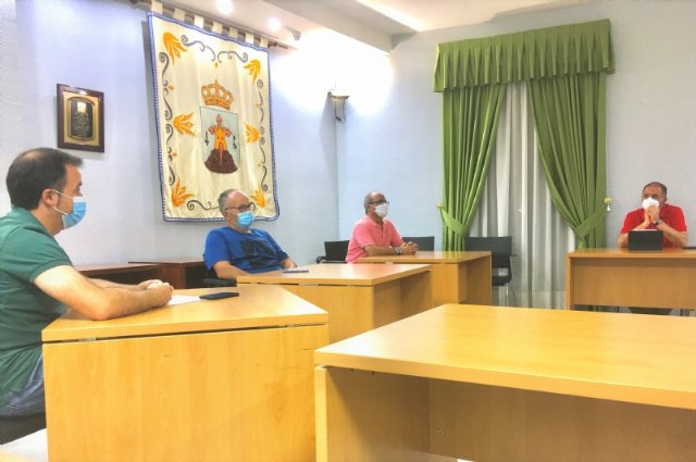 The mayor attends the meeting of the Platform of People Affected by the High Voltage Line after the ministerial refusal to modify the project by the multinational