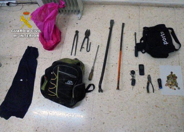 La Guardia Civil detiene a un experimentado delincuente por varios robos en establecimientos  de Abarán - 2, Foto 2