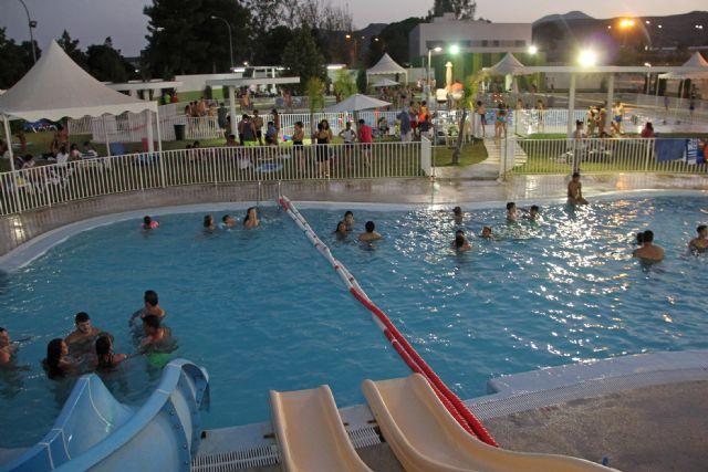 Puerto Lumbreras abre las piscinas de verano en horario nocturno - 1, Foto 1