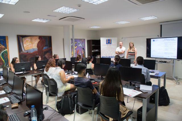 La Universidad del Mar imparte en Mazarrón un curso para mejorar la productividad de los distintos profesionales - 1, Foto 1