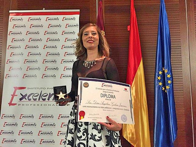 Angélica Galera, recoge la Estrella de Oro a la Excelencia Profesional, Foto 1