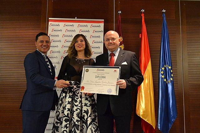 Angélica Galera, recoge la Estrella de Oro a la Excelencia Profesional, Foto 2