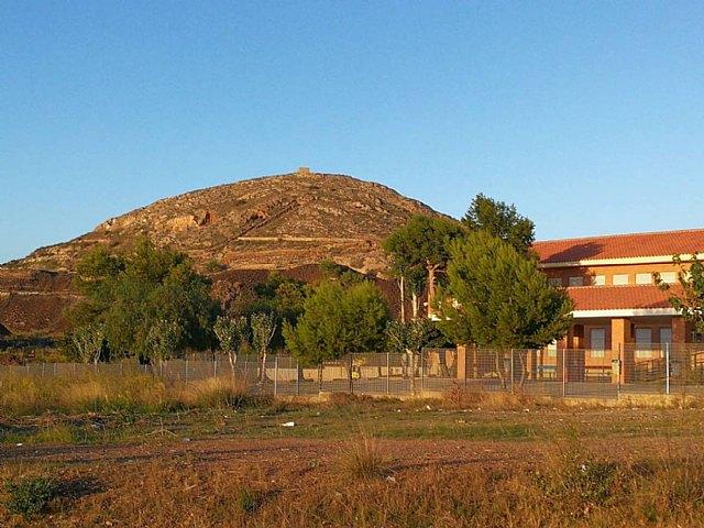 El PP solicita la dimisión del alcalde por dejación de funciones durante dos años en el colegio Enrique Viviente - 1, Foto 1