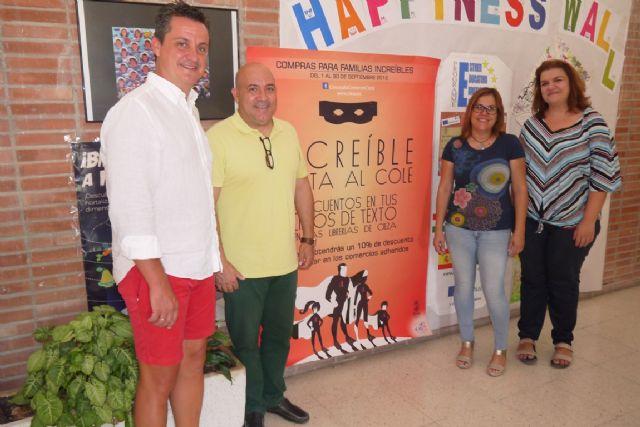 El Ayuntamiento promueve una campaña para comprar los libros de textos en las librerías de Cieza - 1, Foto 1