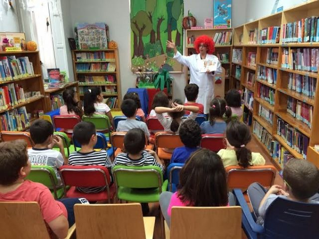 """The program Reading Promotion, organized by the Municipal Library """"Mateo Garcia"""" has had the participation of 2,240 students"""