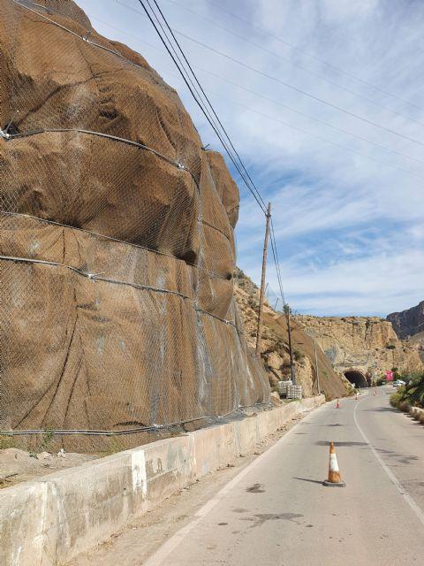 La Comunidad concluye la protección de los taludes de la carretera del Salto de la Novia en Ojós dañados por la dana - 2, Foto 2