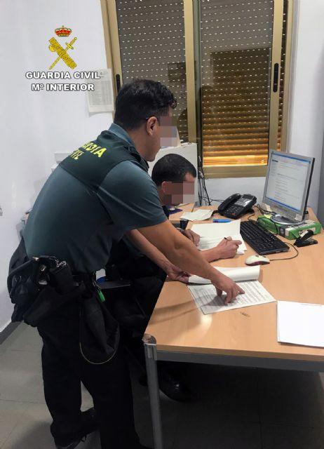 La Guardia Civil detiene a un vecino de Mula dedicado a estafar a través de Internet - 3, Foto 3