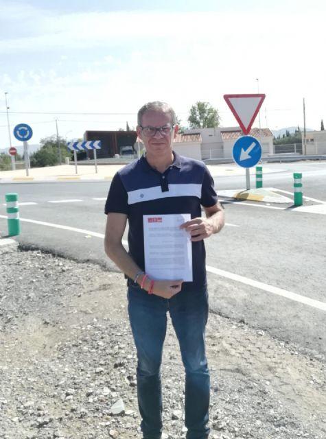 El PSOE solicitará en el próximo pleno la protección de los guarda railes de la nueva redonda del mercado de ganado - 1, Foto 1