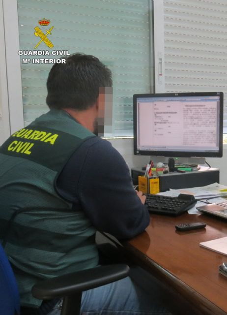 The Civil Guard detains a person in Totana for scams in the contracting of micro-credits