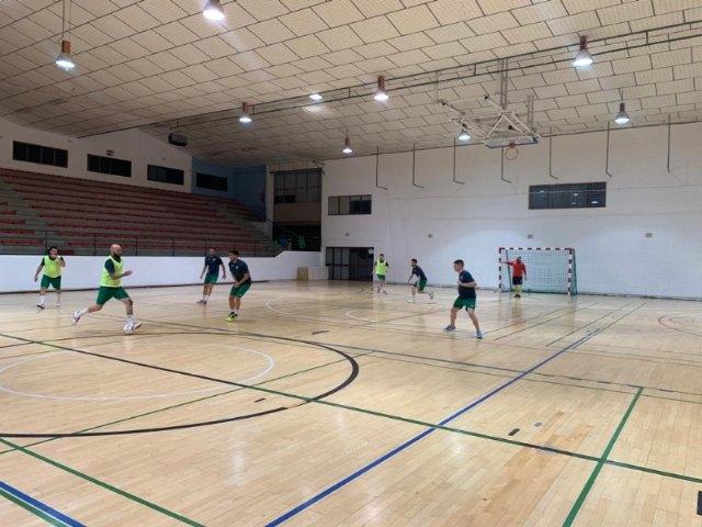 El Pabellón Municipal de Deportes Manolo Ibáñez acoge desde ayer los entrenamientos de pretemporada del C.F.S. Capuchinos - 3, Foto 3