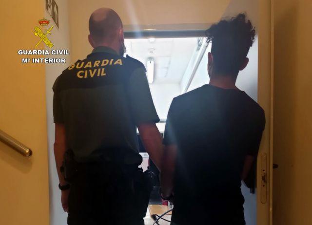 La Guardia Civil detiene al presunto autor de varios delitos contra la libertad sexual - 1, Foto 1