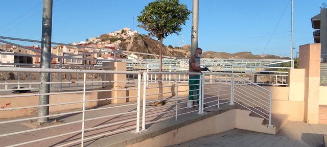 El Ayuntamiento lleva a cabo labores de acondicionamiento en el patio del Centro Cívico, que albergará los conciertos de las Fiestas Patronales - 3, Foto 3