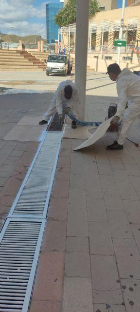 El Ayuntamiento lleva a cabo labores de acondicionamiento en el patio del Centro Cívico, que albergará los conciertos de las Fiestas Patronales - 4, Foto 4