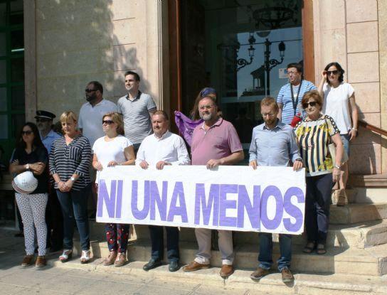 La Corporación municipal instará al Gobierno de la Nación a que ponga en funcionamiento las medidas adoptadas en el Pacto de Estado contra la Violencia de Género