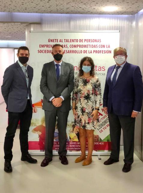 La directora de la Agencia Tributaria de la Región de Murcia explica a los economistas el Plan Estratégico de su organización para aumentar la productividad  un 20% - 1, Foto 1