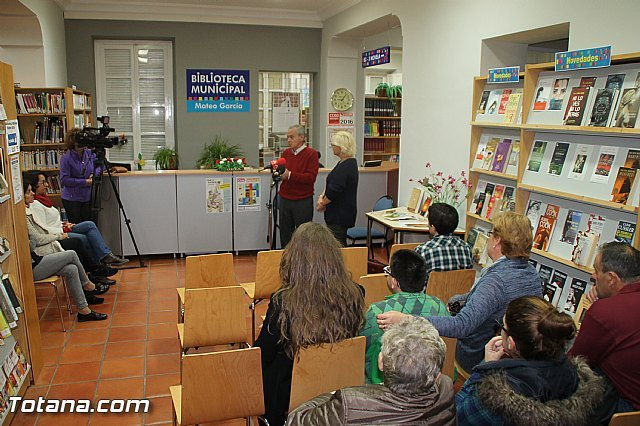 "Andrés Valenzuela presents his book of stories ""Stories of an old oak"", within the program ""Cultural Autumn"""